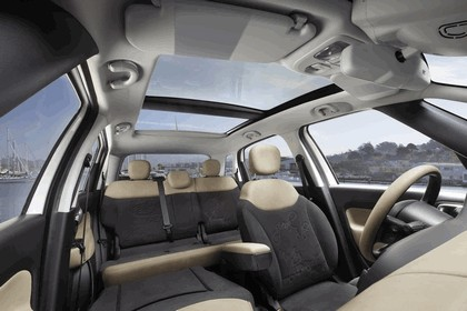 2013 Fiat 500L - USA version 22
