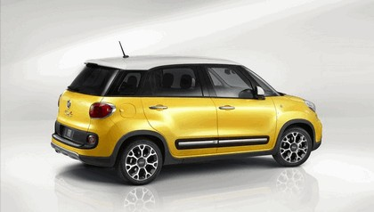 2013 Fiat 500L Trekking - USA version 2