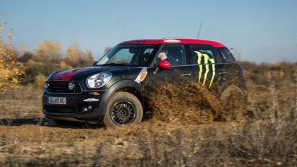 2012 Mini Countryman X-raid service vehicle 7