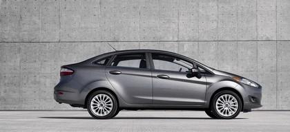 2014 Ford Fiesta 4-door - USA version 2