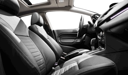 2014 Ford Fiesta 4-door - USA version 5