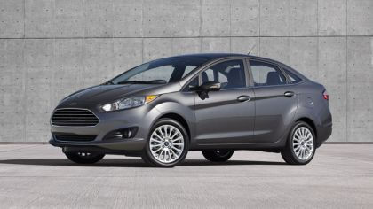 2014 Ford Fiesta 4-door - USA version 4