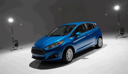 2014 Ford Fiesta 5-door - USA version 100