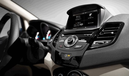 2014 Ford Fiesta 5-door - USA version 126