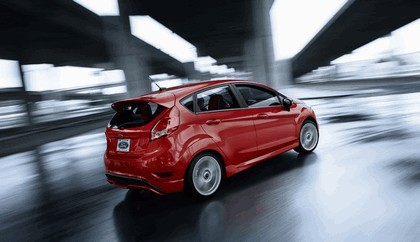 2014 Ford Fiesta ST - USA version 24