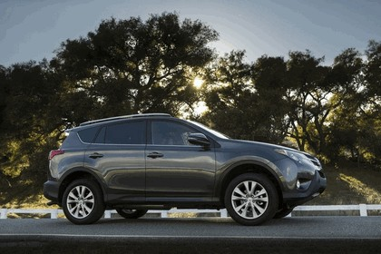 2013 Toyota RAV4 - USA version 9