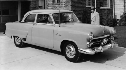 1952 Ford Mainline 2-door sedan ( 70A ) 1