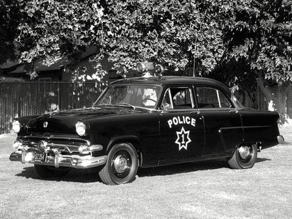 1954 Ford Mainline 4-door sedan ( 73A ) - Police car 1