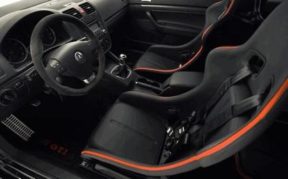 2006 Volkswagen Golf R GTI concept 15