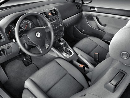 2006 Volkswagen Golf Rabbit 3-door 8