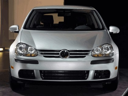 2006 Volkswagen Golf Rabbit 3-door 10