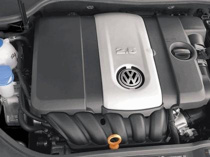 2006 Volkswagen Golf Rabbit 5-door 23