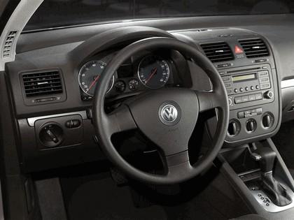 2006 Volkswagen Golf Rabbit 5-door 26