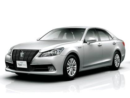 2013 Toyota Crown ( S210 ) Royal 1