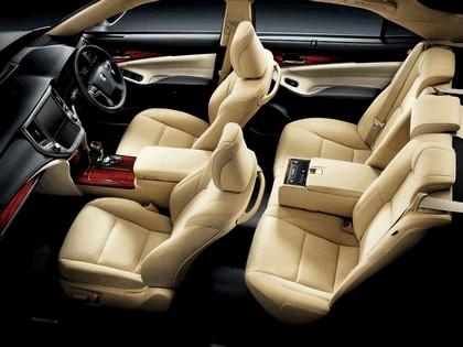 2013 Toyota Crown ( S210 ) Royal 6