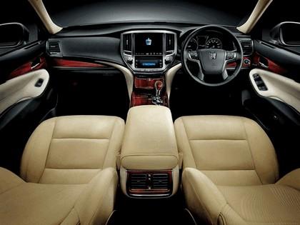 2013 Toyota Crown ( S210 ) Royal 7