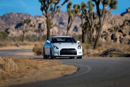 2013 Nissan GT-R ( R35 ) - USA version 1