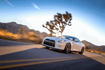 2013 Nissan GT-R ( R35 ) - USA version 4