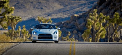 2013 Nissan GT-R ( R35 ) - USA version 5