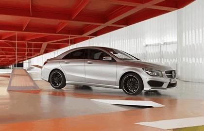 2013 Mercedes-Benz CLA250 16