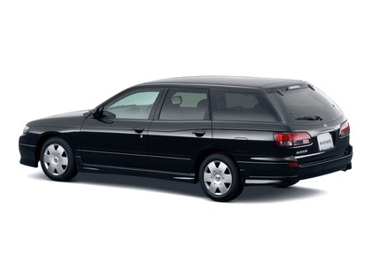 1999 Nissan Avenir 3