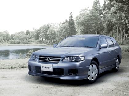 1999 Nissan Avenir 4