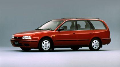 1990 Nissan Avenir ( W10 ) 4