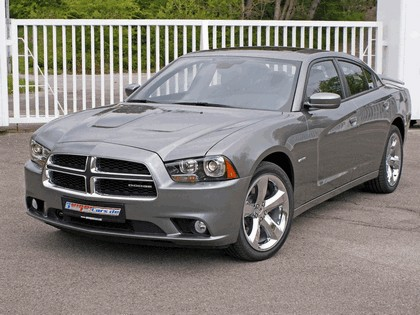 2011 Dodge Charger RT by Geiger 2