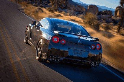 2014 Nissan GT-R ( R35 ) Track Edition - USA version 3