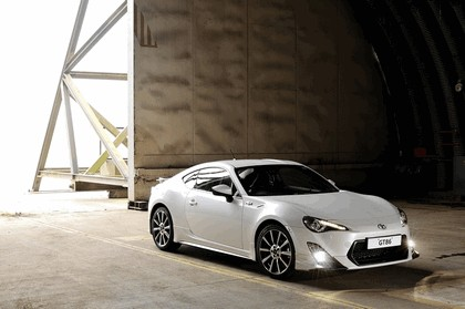 2013 Toyota GT86 by TRD 2