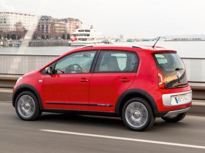 2013 Volkswagen Cross Up 8