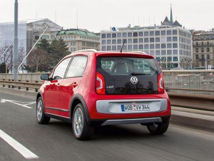 2013 Volkswagen Cross Up 9