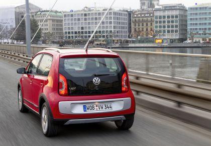 2013 Volkswagen Cross Up 10