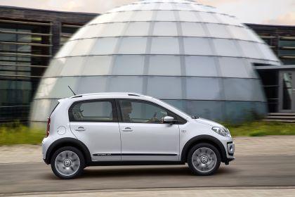 2013 Volkswagen Cross Up 36