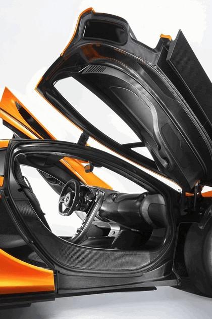 2013 McLaren P1 17