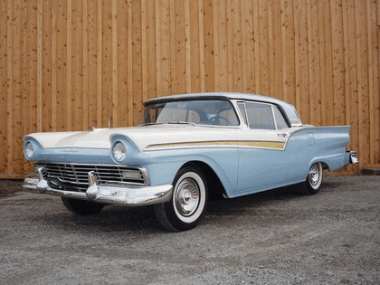 1957 Ford Fairlane 500 Skyliner retractable hardtop 4