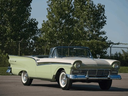 1957 Ford Fairlane 500 Skyliner retractable hardtop 9