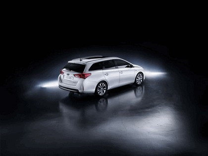 2013 Toyota Auris Touring Sports 3