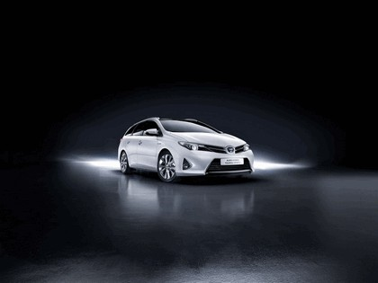 2013 Toyota Auris Touring Sports 4