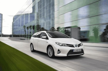 2013 Toyota Auris Touring Sports 7