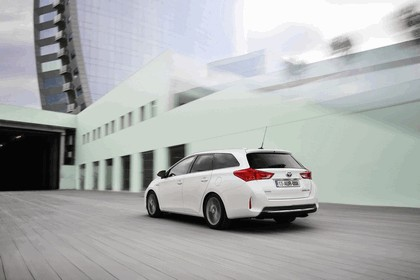 2013 Toyota Auris Touring Sports 9