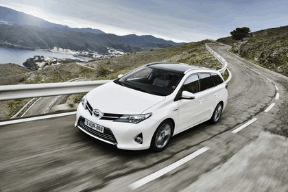 2013 Toyota Auris Touring Sports 17