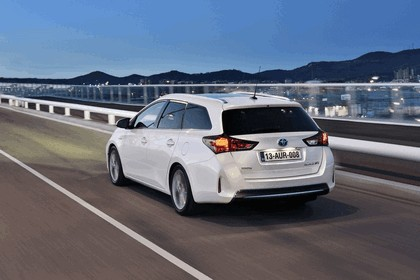 2013 Toyota Auris Touring Sports 18