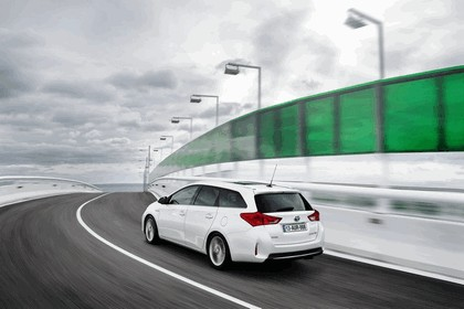 2013 Toyota Auris Touring Sports 19