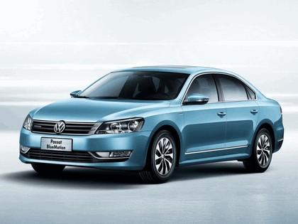 2013 Volkswagen Passat BlueMotion - China version 1