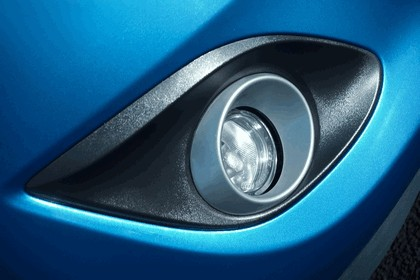 2013 Mazda 2 Venture Edition - UK version 13