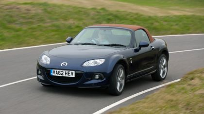2013 Mazda MX-5 Venture Edition roadster - UK version 4