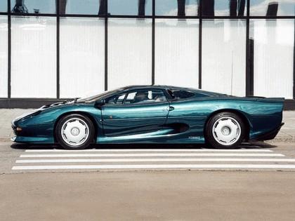 1989 Jaguar XJ220 6