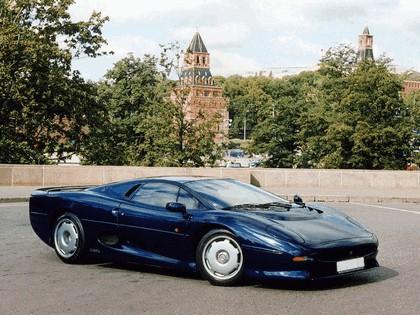 1989 Jaguar XJ220 11