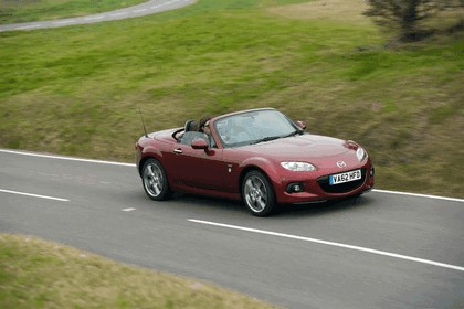 2013 Mazda MX-5 Venture Edition roadster coupé - UK version 1